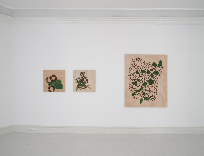 Signe Guttormsen - Installation view, Signe Guttormsen, Moving Things, Galerie Mikael Andersen, Copenhagen, 2016. (photo: Jan Søndergaard)